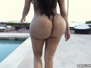 Huge ass Lela Star bouncing..